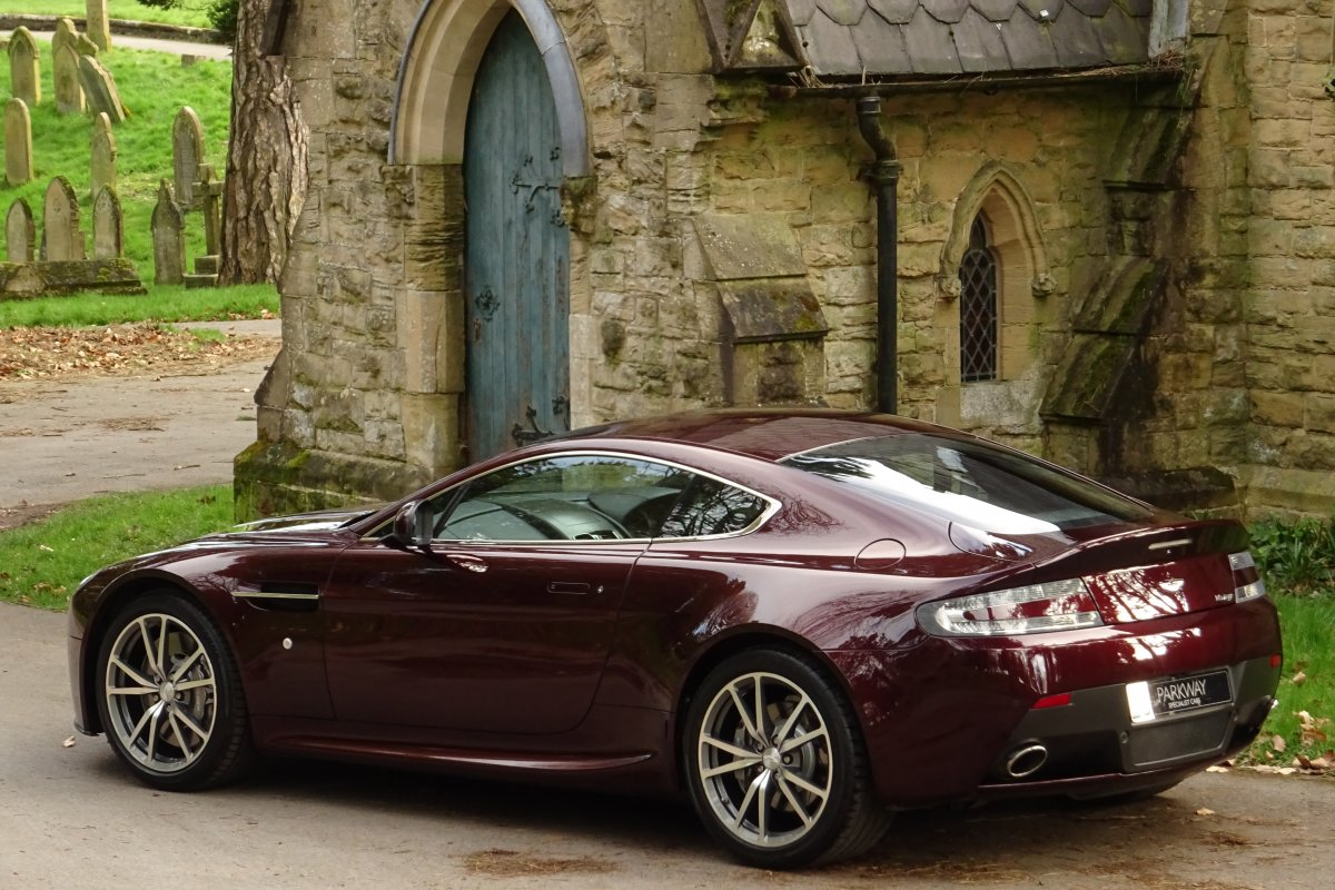 Aston Martin Vantage 4 7 420 Sportshift 2dr