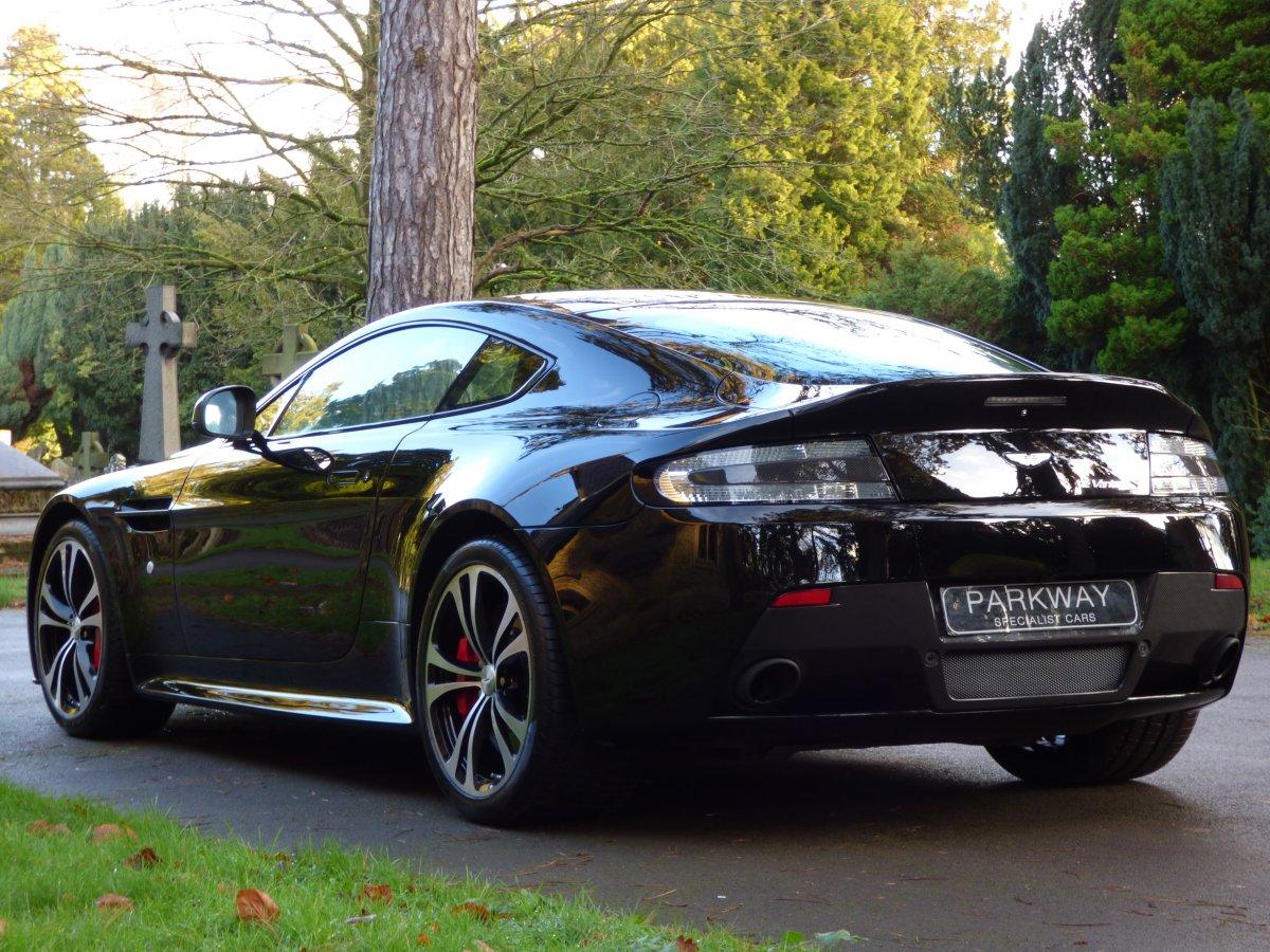 Aston Martin Vantage 5 9 V12 S Sportshift Iii