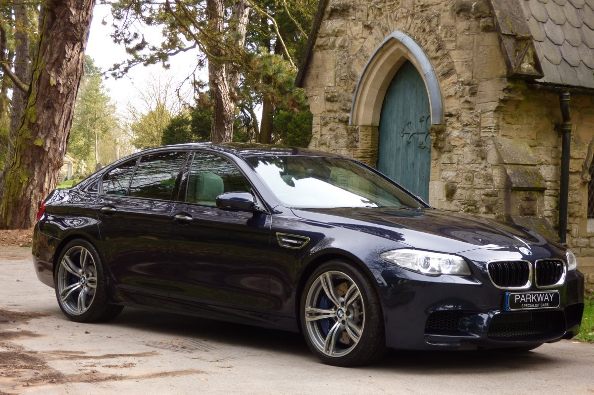 BMW M5 4 4 Bi Turbo F10 V8 (Unique Find) -
