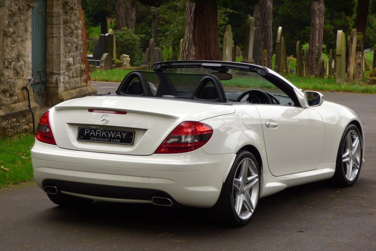 Mercedes benz slk300 v6 designo for Mercedes benz slk300