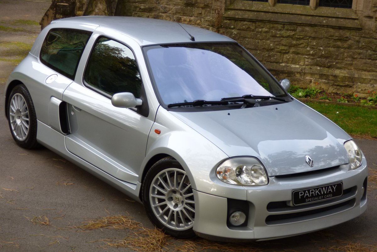 Renault Clio 3 0 V6 Extensive Past History