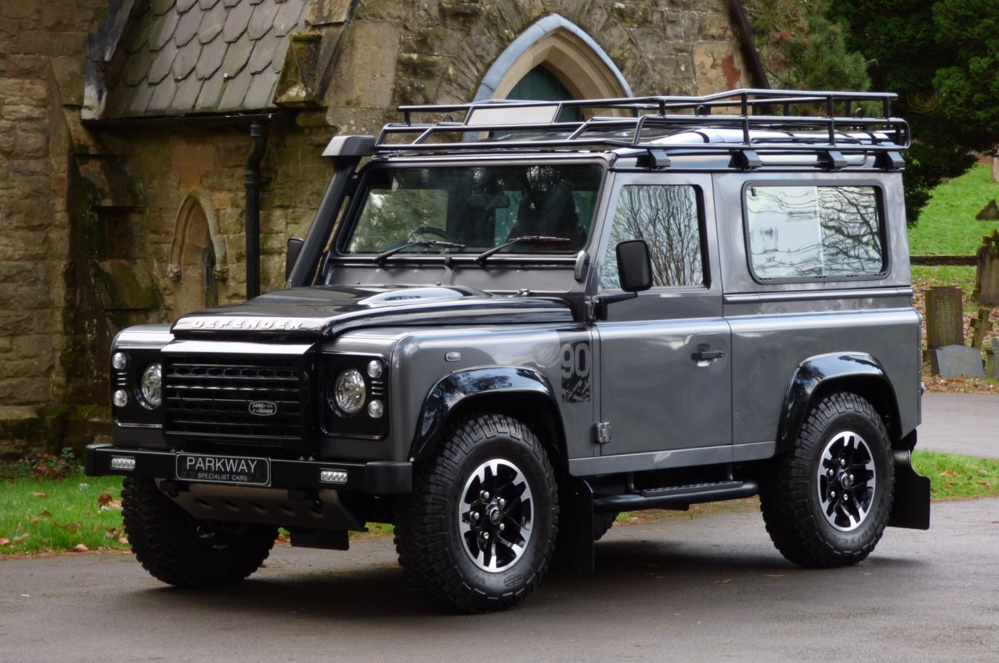 Land Rover Defender 90 Adventure Edition Auto